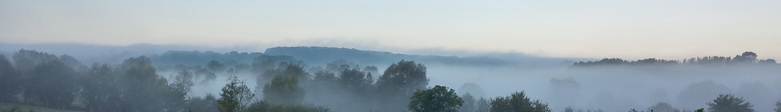 Pays de Bray sous la brume matinale